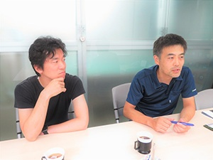 From left, Mr. Eiji Saito and Mr. Masahiro Itoh, the manager